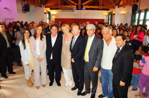 Monte Hermoso: Entrega de ayudas económicas, tecnología, juegos y una ambulancia de la Fundación Banco Provincia