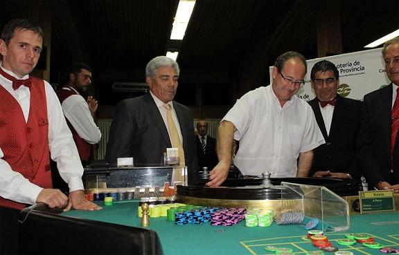 "Reabrió el casino local con el ""negro el 20″"