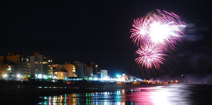 Año Nuevo con show de Fuegos Artificiales en la playa