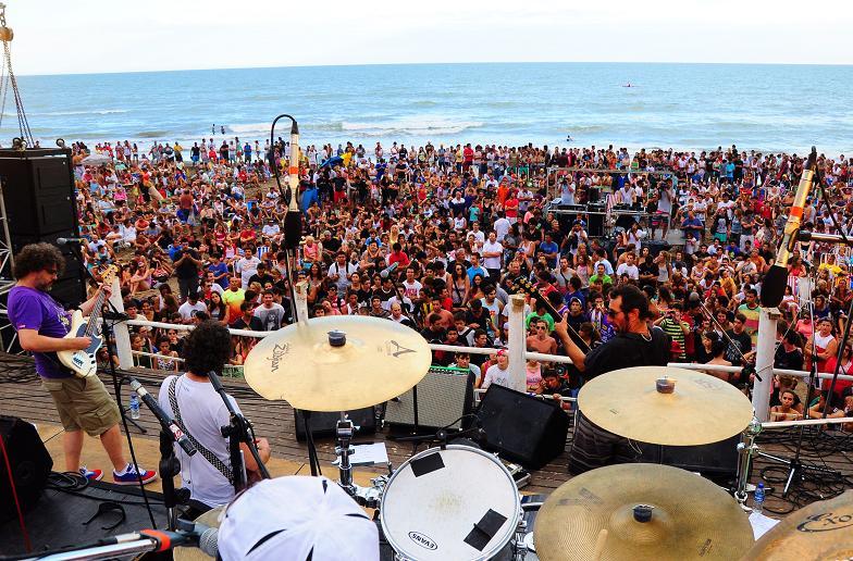 Nonpalidece inaugura los recitales al atardecer en la playa