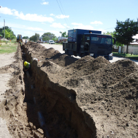 Iniciaron los trabajos de extensión de la cañería de impulsión del desagüe de la Cuenca Río Juramento